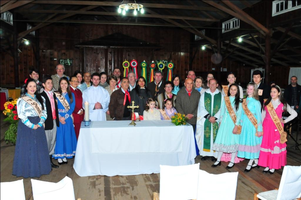 Missa é realizada para comemorar aniversário do CTG